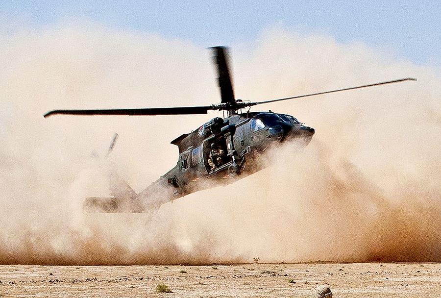 Helikopter UH-60 black hawk