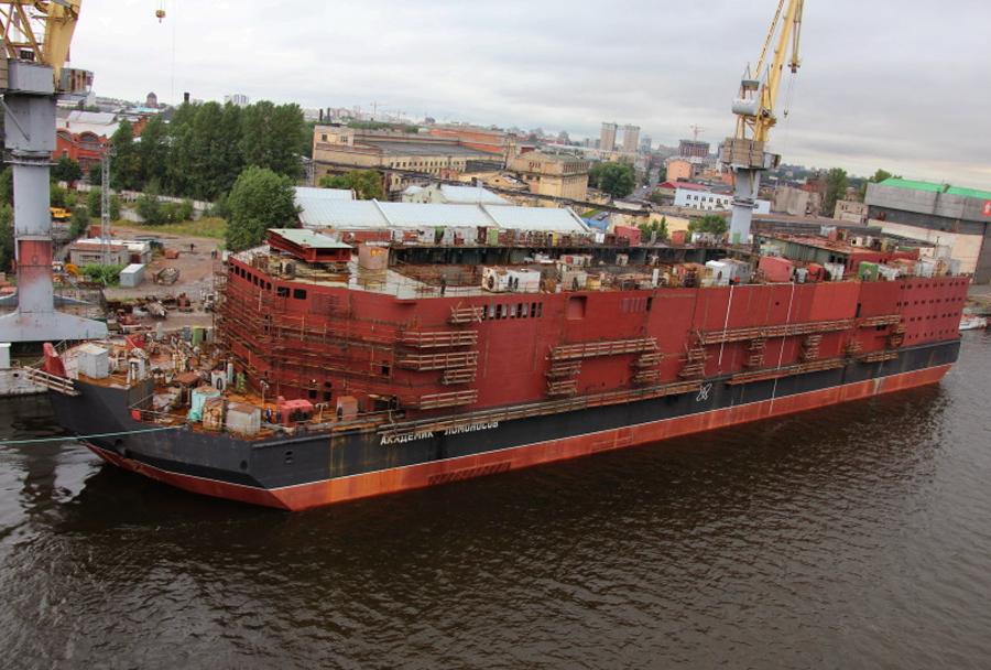 Gradnja plovila za jedrsko elektrarno Akademik Lomonosov