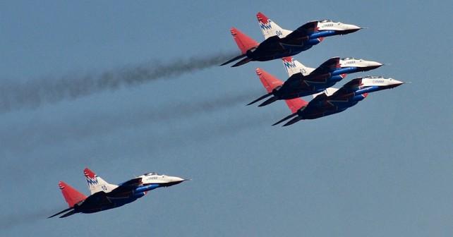 Lovci MiG-29 iz skupine Striži nad Beogradom