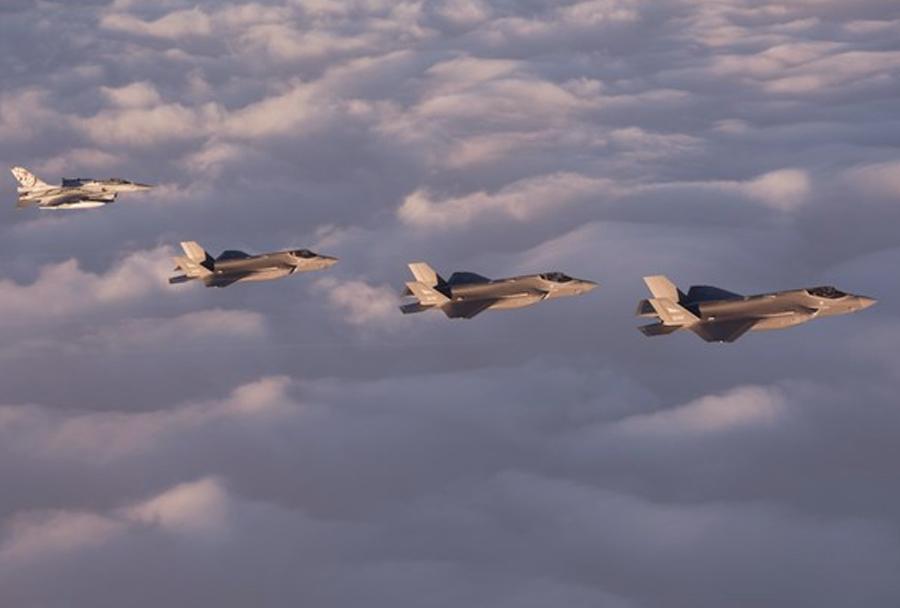 Norveški lovci F-35 in F-16