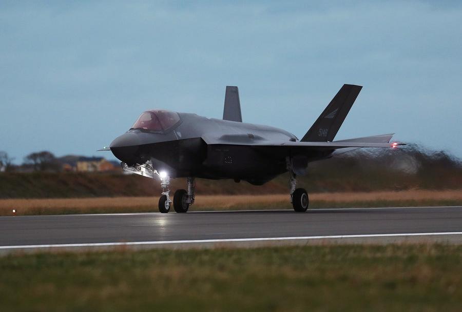 Pristanek norveškega lovca F-35