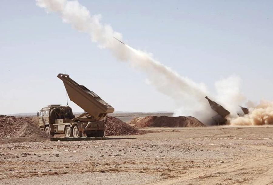 Kitajski večcevni raketometi SR5 v Alžiriji