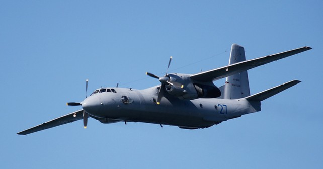 Rusko vojaško transportno letalo An-26 curl
