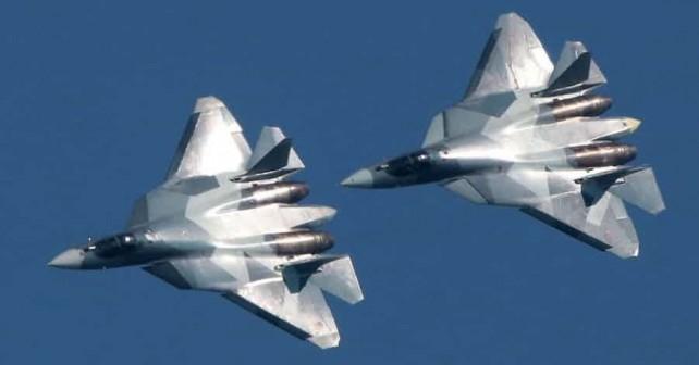 Par lovcev Su-57
