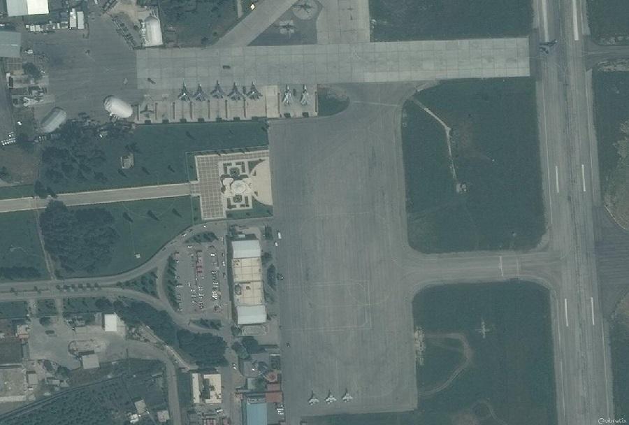 Ruski lovci Su-30MS v letalski bazi Hmeymim