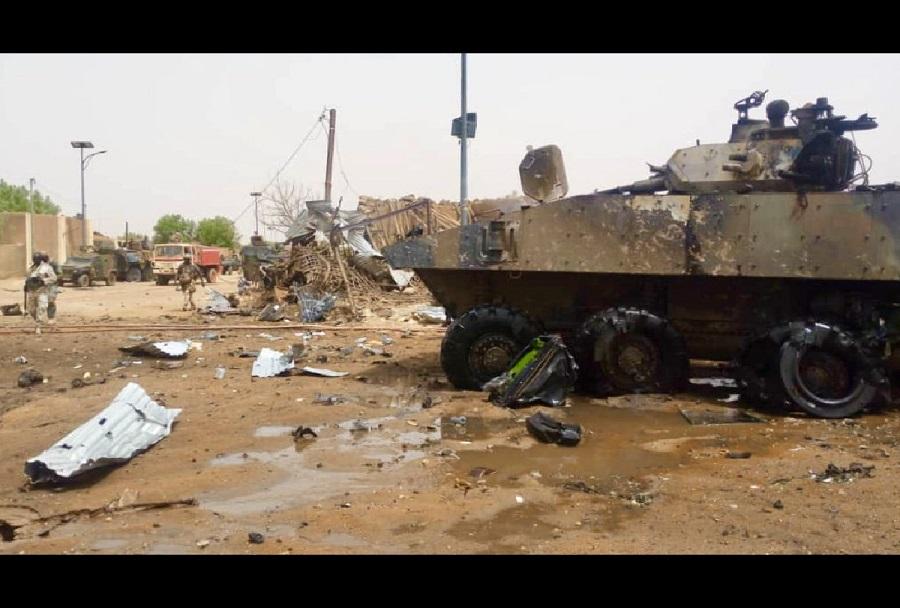 Uničen francoska oklepnika VBCI 8x8 v Maliju
