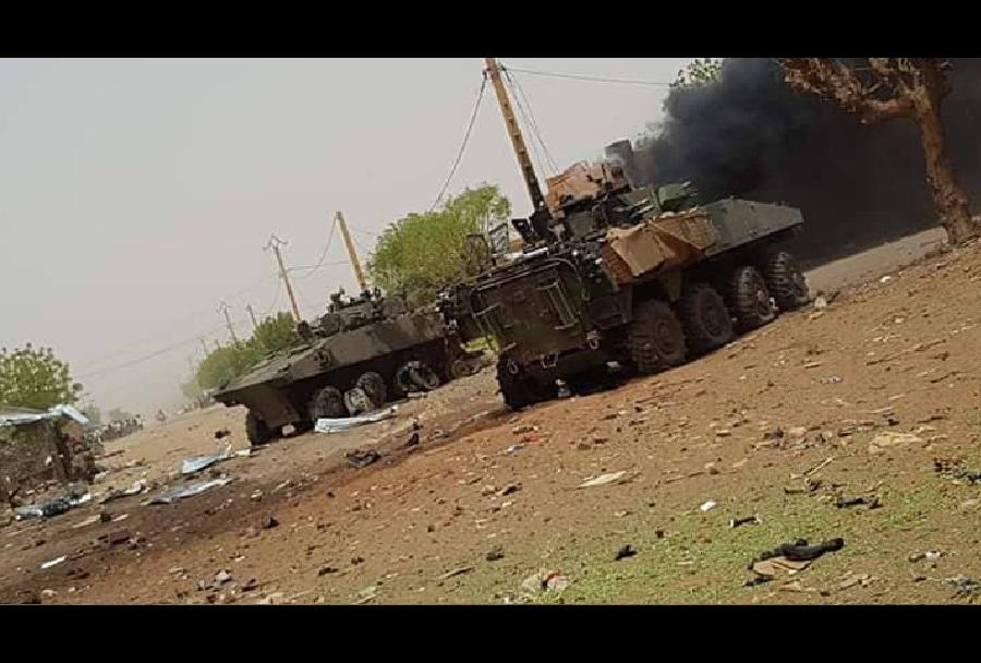 Uničena francoska oklepnika VBCI 8x8 v Maliju