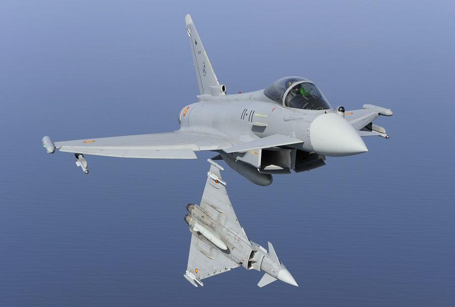 Spanski par lovcev Eurofighter typhoon