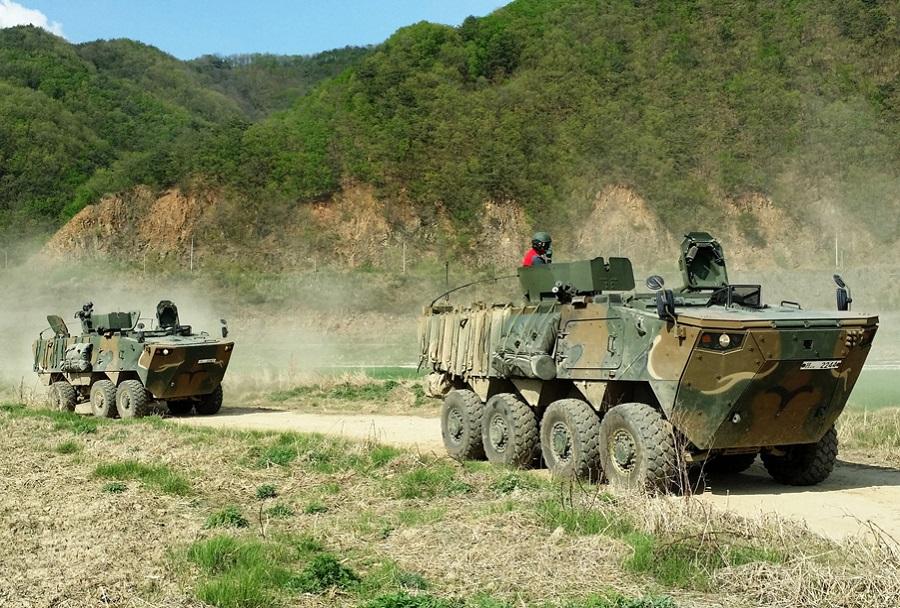 Južnokorejski oklepni vozili K808 in K806