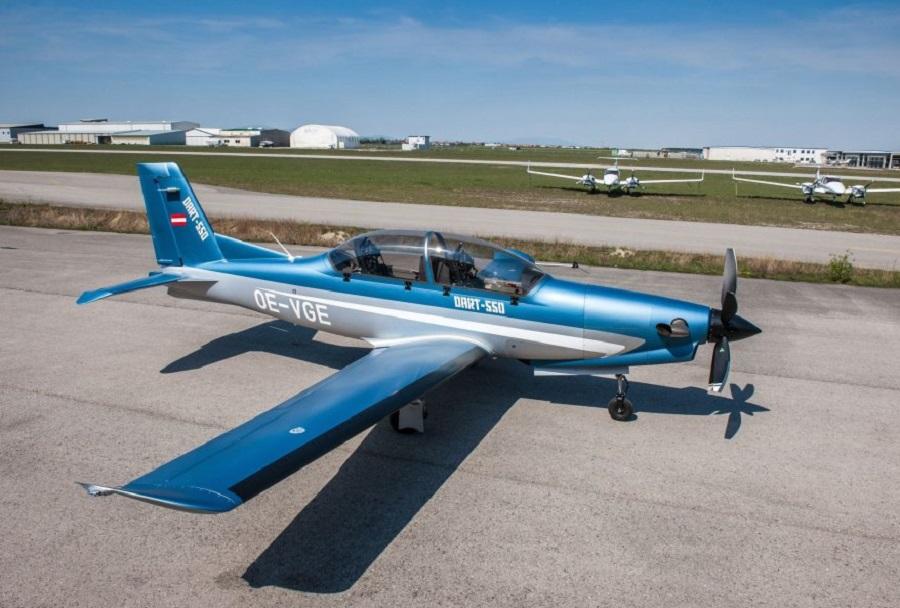 Avstrijsko letalo DART-550
