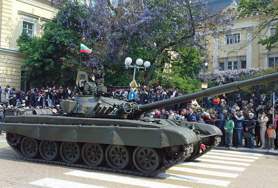 Bolgarski tank T-72