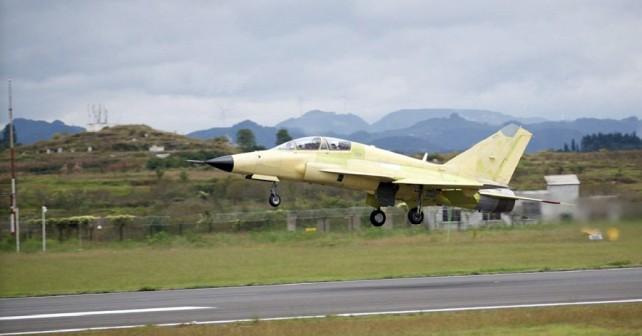 Kitajski lovec FTC-2000G - prvi polet