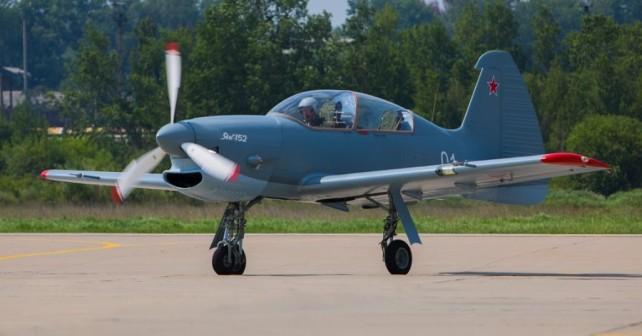 Rusko letalo Jak-152