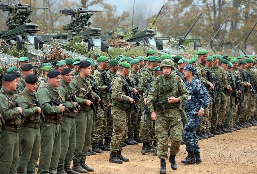 Slunj: Na vojnom poligonu Eugen Kvaternik održana je vojna vježba Velebit 18