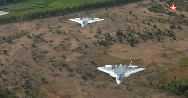 Par ruskih lovcev Su-57
