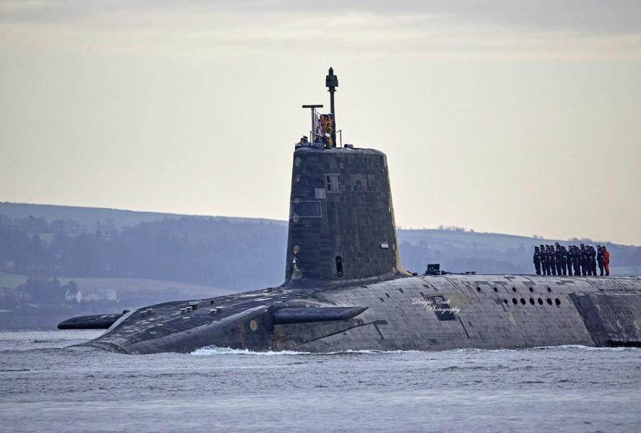 Britanska podmornica HMS Vengeance razreda vanguard