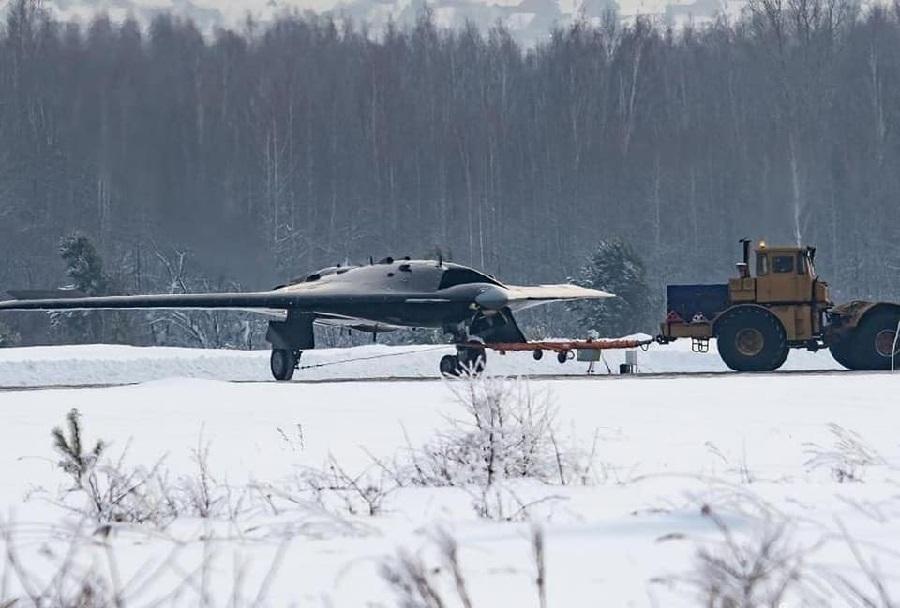 Prototip ruskega brezpilotnega letala okhotnik