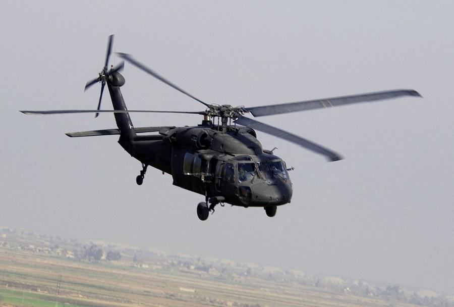 Vojaski helikopter UH-60L black hawk