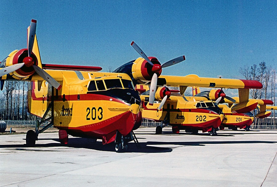 Španska letala CL-415 superscooper
