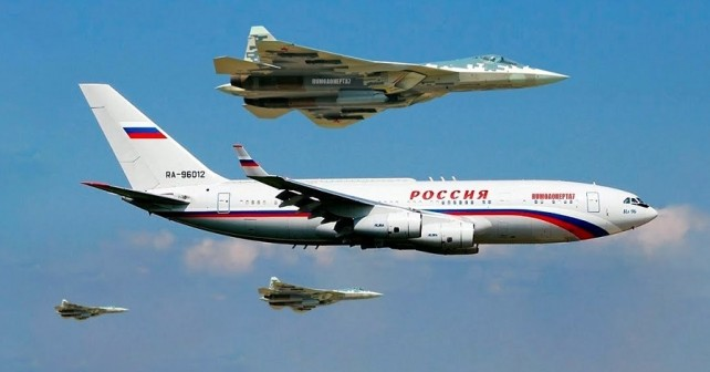 Predsedniško letalo Il-96 in lovci Su-57
