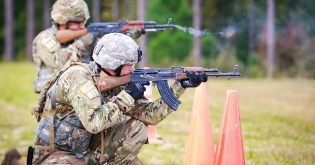 Streljanje z jurišno puško AK-47