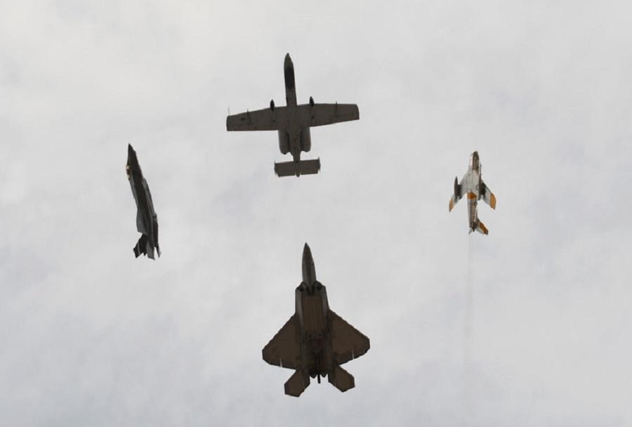 Letala F-22, F-35 in A-10