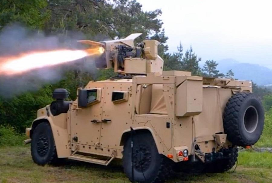 Prvo streljanje z raketo spike LR iz vozila Oshkosh JLTV.