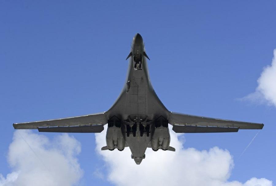 Ameriški bombnik B-1B lancer