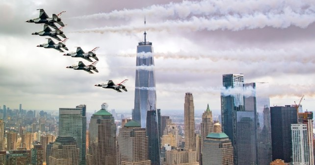 Skupina Thunderbirds nad Manhattnom