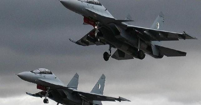 Alžirska lovca Su-30MKA