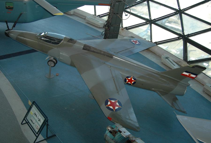 Jugoslovansko letalo Folland gnat na Surčinu
