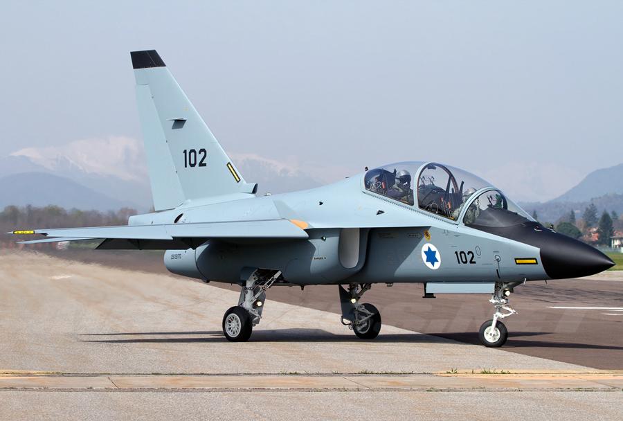 Izraelsko šolsko letalo M-346 lavi