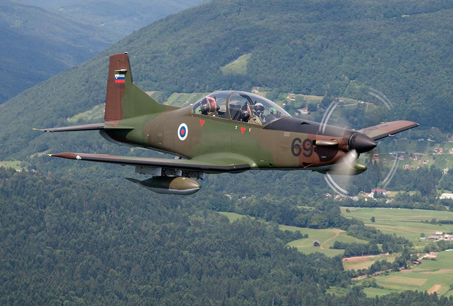 Slovensko vojaško letalo Pilatus PC-9M