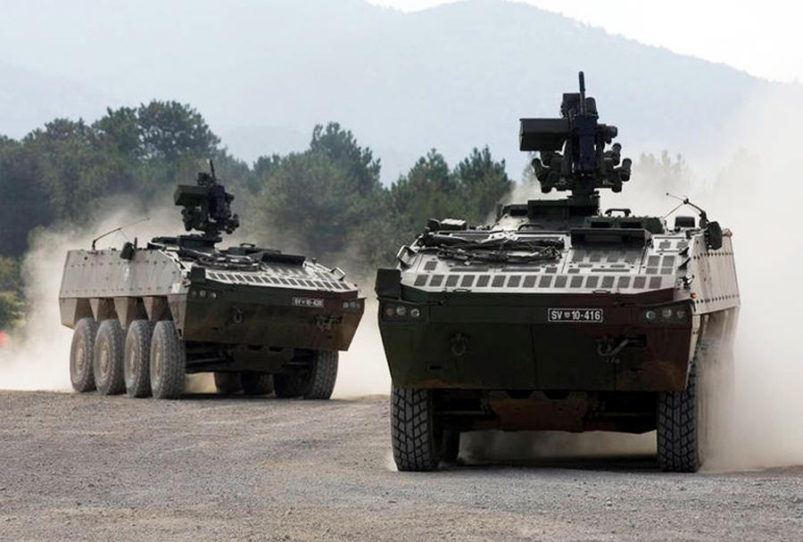 Slovenski oklepniki Patria AMV 8x8