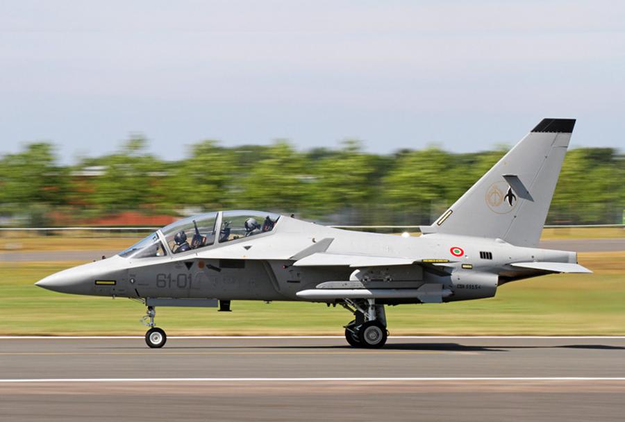 Italijansko šolsko reaktivno letalo M-346
