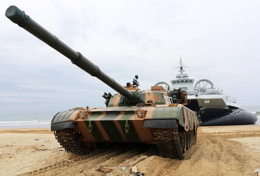 Kitajsko plovilo zubr in tank type-96