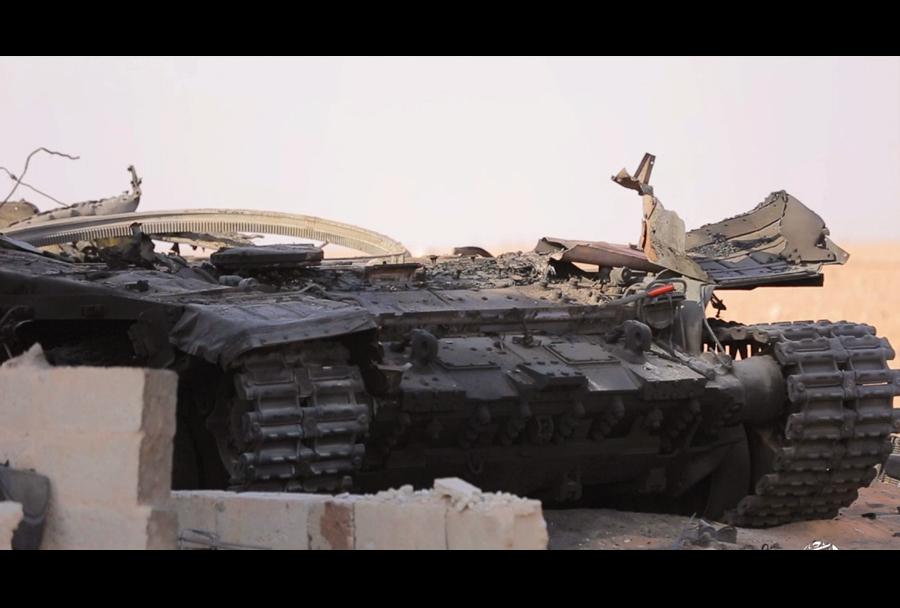 Uničen sirski tank T-90 - ostanki podvozja